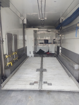 27 ft Brown cargo stacker  for Sale $38,000
