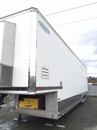 Renegade 17f Freightliner 2002 w/225626 miles and Trailer  for Sale $199,999