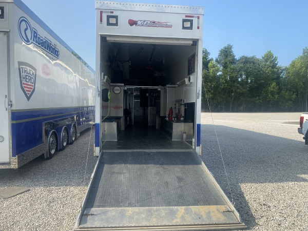 1998 Featherlite Wing Sprint Trailer $122500  for Sale $122,500